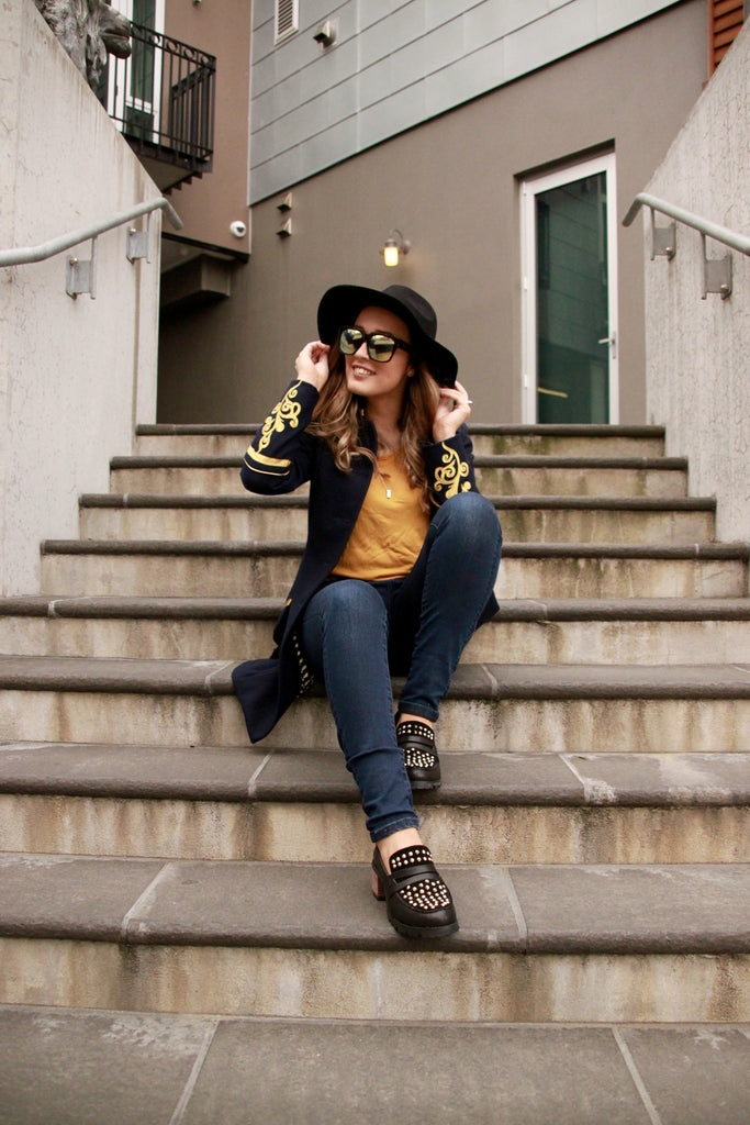 Navy and Gold | The Perfect Match