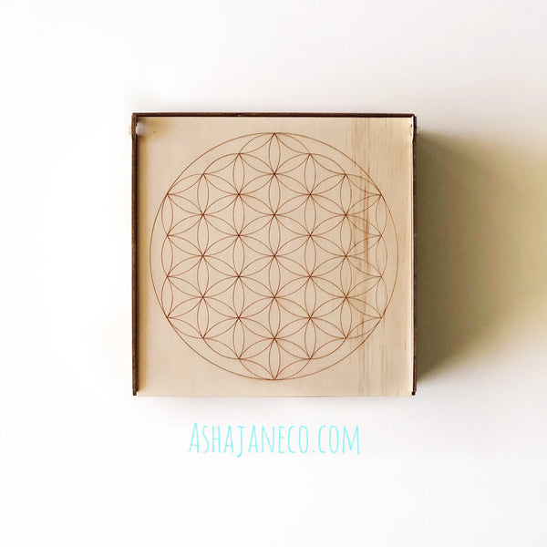 Asha Jane & Co Laser cut & engraved Flip top lid with dividers and engraved image of flower of life sacred geometry on lid