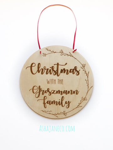 Christmas with the family || Round Plaque || Wood