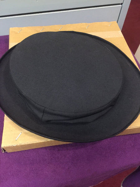 Collapsible top hat - Titan Magic & Brain Busters Escape Rooms