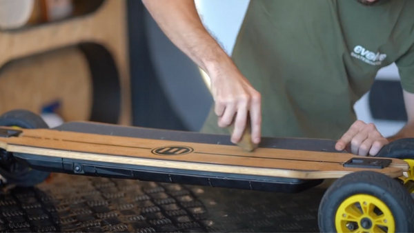 Skateboard Grip Tape: how to clean and re-grip it