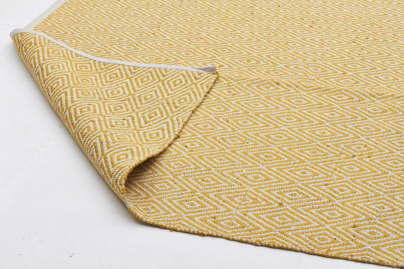 Modern Flatweave Diamond Design Yellow Rug - MaddieBelle