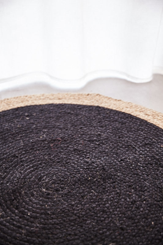 Round Jute Natural Rug in Black