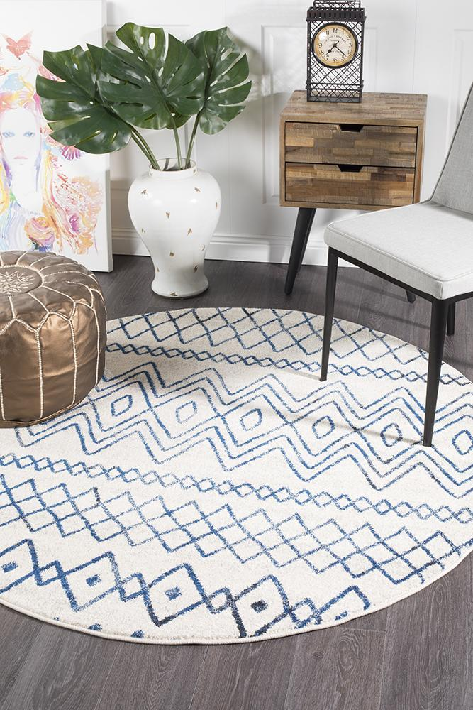 Oasis Nadia White Blue Rustic Tribal Round Rug - MaddieBelle
