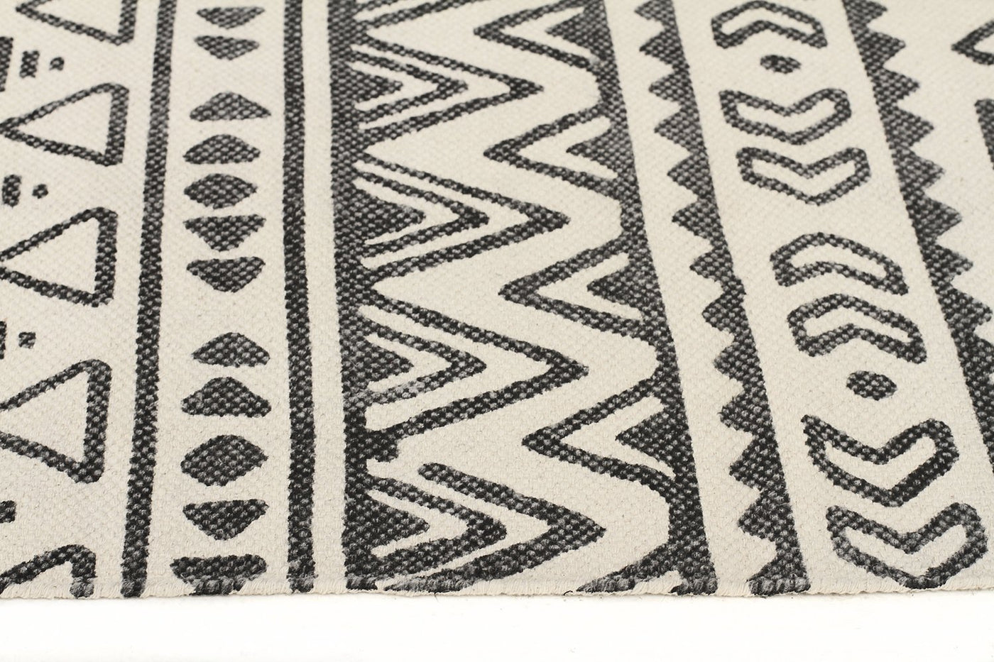 black clean aztec and rug pad products washable rc ruggable white linear a