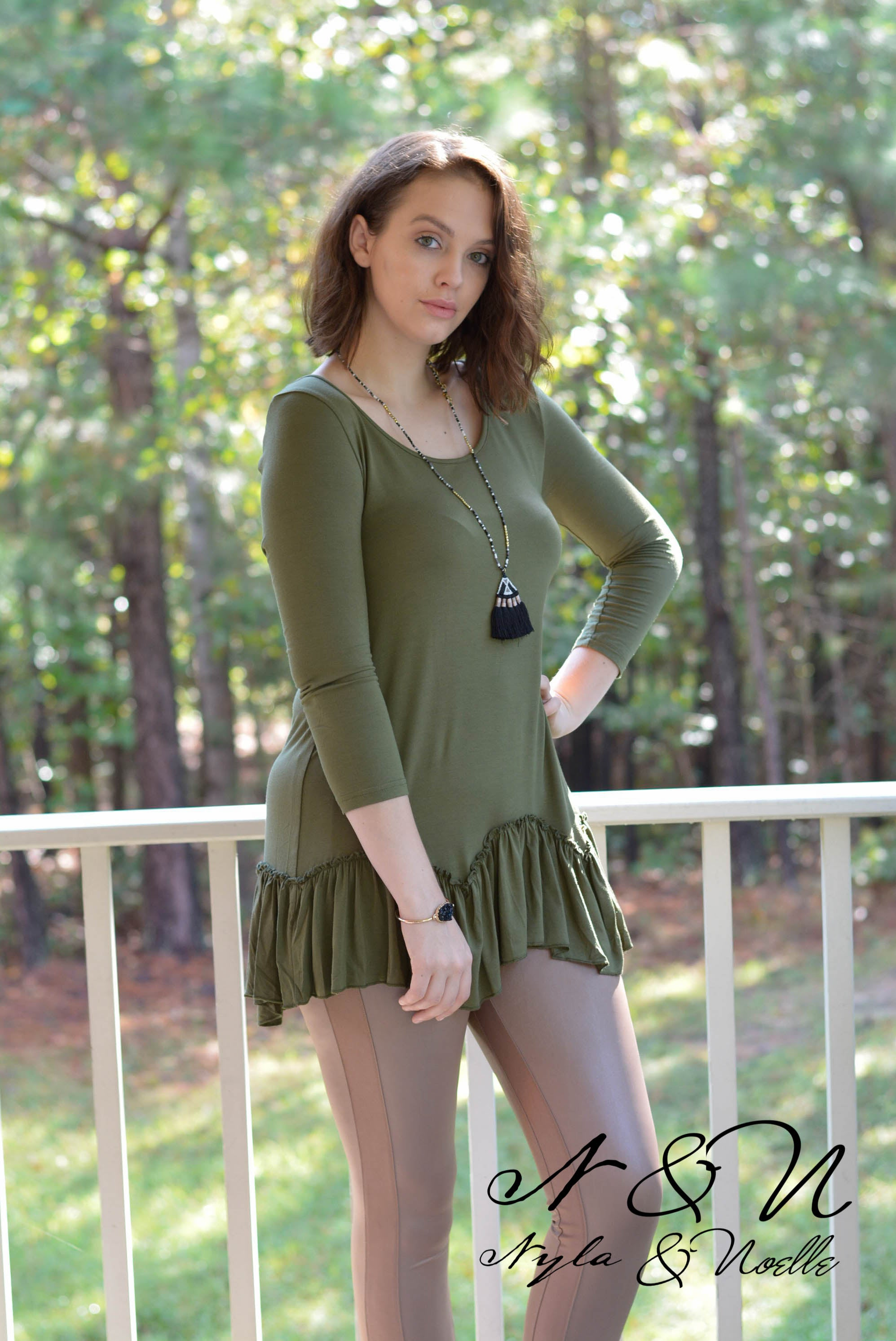 WILDER - Moss Tunic Top with Push Sleeves and Ruffle Bottom