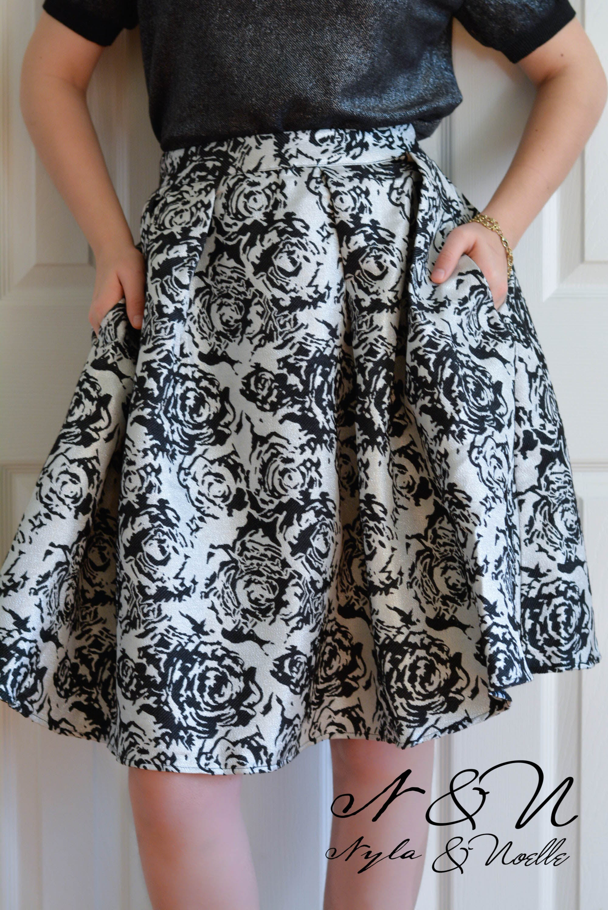 MONROE - Silver Metallic and Black Jacquard Rose Skirt