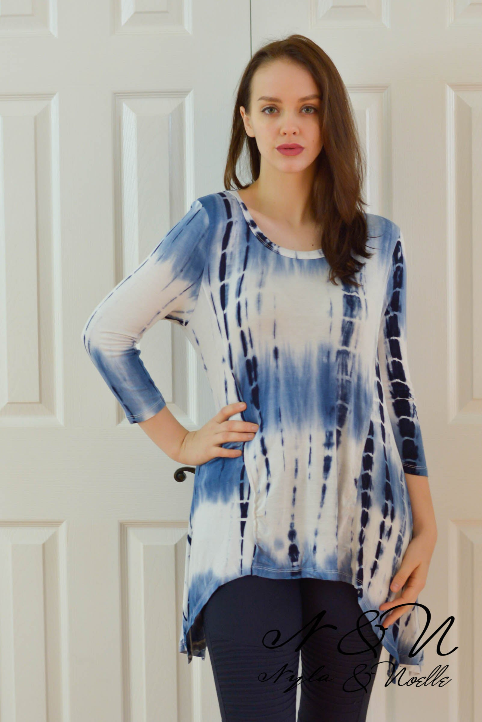 ROLLIN ON THE RIVER - Blue Tie Dye Shark Bite Hem Tunic
