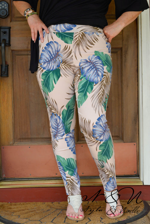 CABANA - Sand Plus Size Tropical Print Jeggings