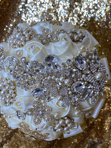 Ivory/ Off white Bridal bouquet with gold