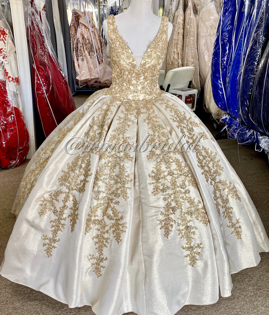 Champagne/ Gold Quinceañera dress size 8