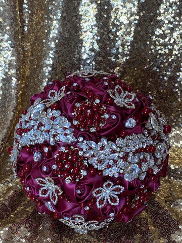 Burgundy bouquet with gold accents