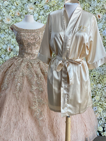 Satin robe in Champagne with gold details