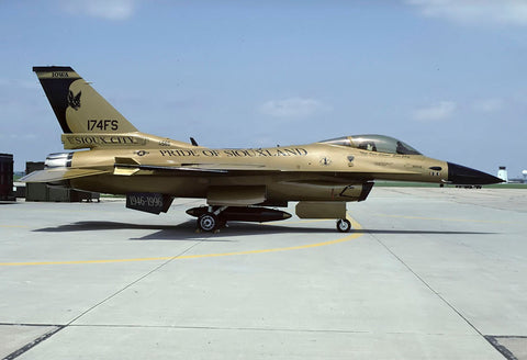 F-16C 85-1565 USAF/174thFS,Ia ANG 'Pride of Siouxland' Jun-98