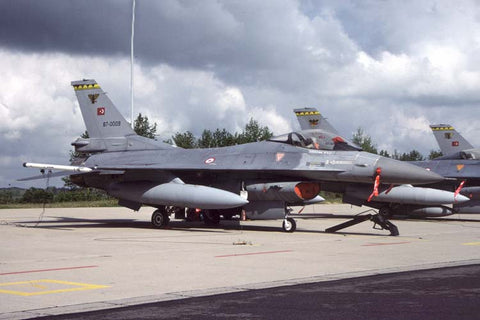 F-16C 87-0009 Turkish AF/143Filo at Florennes Mar-04