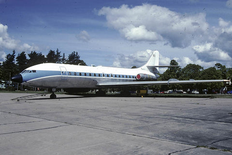 Tp.85 Caravelle 85172/851 Swedish AF/F13 May-00 - note modified nose!