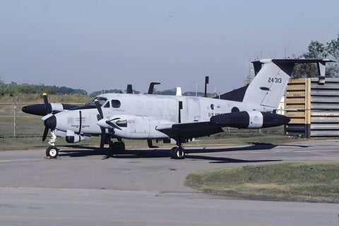 RC-12H 83-24313 US Army PACAF Oct-01