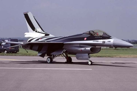 F-16A J-016 Netherlands AF/312Sqdn at RAF Cottesmore Jul-01