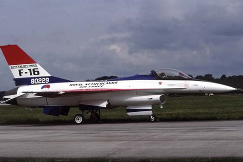 F-16A J-229 Netherlands AF/313Sqdn painted as F-16 prototype 80229 Jun-04