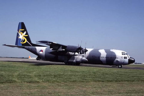 C-130H-30 G-275 Netherlands AF/334Sqdn at Cambridge May-00