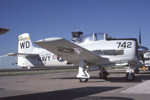 T-28C 49-1742/WD-742 USN/VT-5 flew as N1742R Oct-93