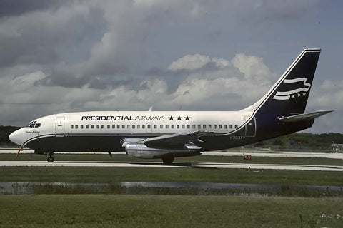 B.737-200 N303XV Presidential Airways Oct-88