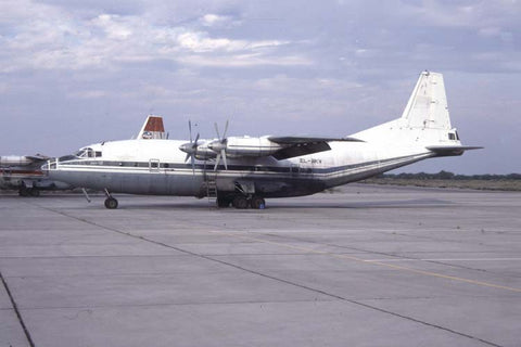 An-12BP EL-AKV Air Cess Nov-97