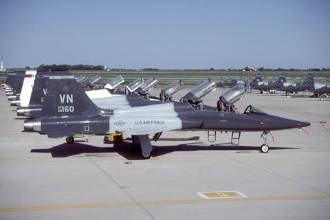 T-38A 68-8160/VN USAF/25thFTS,71stFTW (AETC) May-01