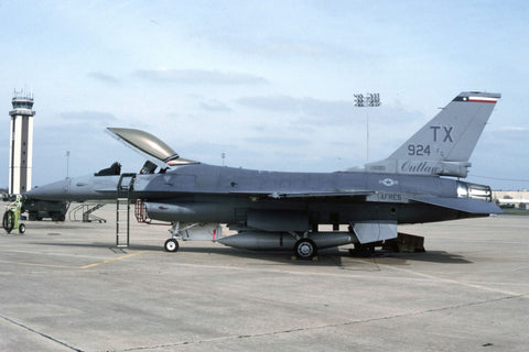 F-16A 83-1080/TX USAF/704thFS,924thFG (AFRC) Mar-93 - marked '924FG'