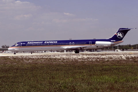 MD-80 N807ME Midwest Express Apr-01
