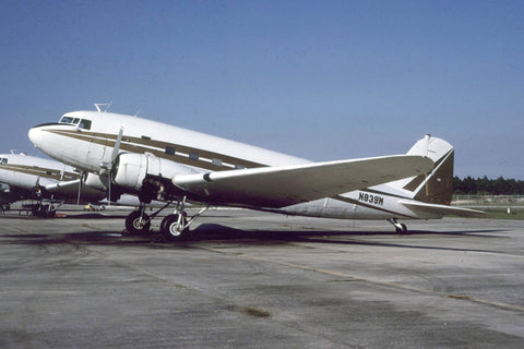 VC-47A N839M Private Nov-88