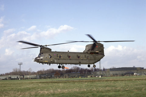 Chinook HC.1 ZA671/BB RAF/18Sqdn Nov-04