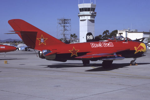 2879 Lim-5 Red Bull flew as NX117BR Nov-00