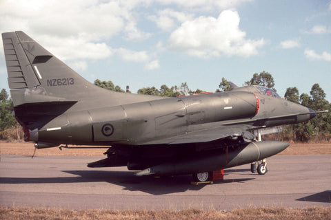A-4K NZ6213 New Zealand AF/2Sqdn Aug-0