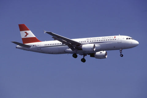 A.320-200 OE-LBQ Austrian Airlines Jun-00
