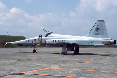 RF-5E 5507/30094 Rep of China AF/5thTRW Aug-00