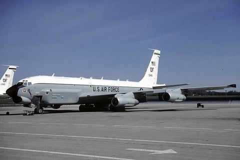 RC-135U 64-14849/OF USAF/55thWG May-01 - old engines!