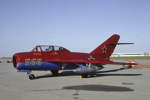 MiG-17 566 flew as N905DM 'Red Falcons' Jun-01