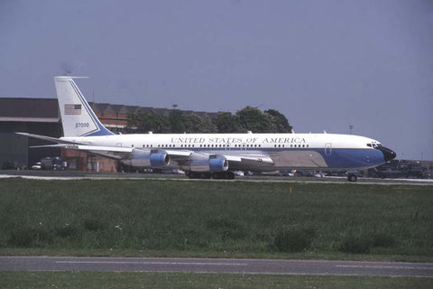 C-137C 72-7000 1stAS,89thAW (AMC) at RAF Mildenhall Nov-98