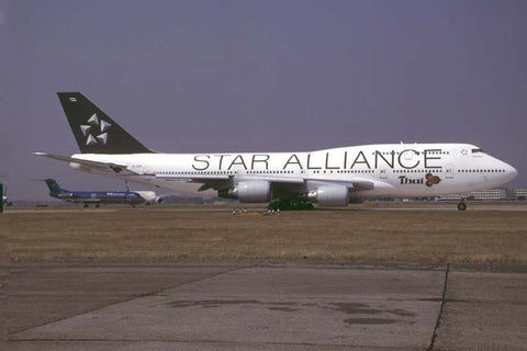 B.747-400 HS-TGW Thai/Star Alliance Sep-03