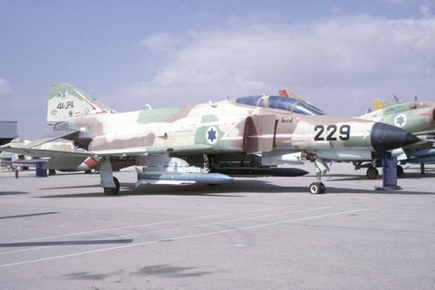 F-4 2000 Kurnass 334/4X-JPA marked as '229' Israeli AF - Hatzerim museum Apr-98