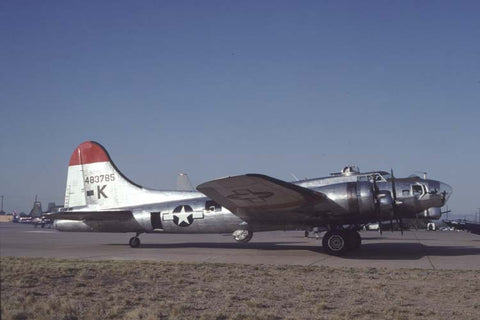B-17G 44-83785 flew as N207EV Oct-92