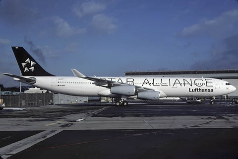 A.340-300 D-AIGC Lufthansa - Star Alliance titles Jan-04