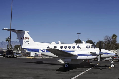 Beech 200 N7NA NASA Apr-02