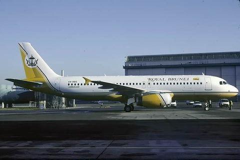A.320-200 V8-RBS Royal Brunei Airlines Jan-04