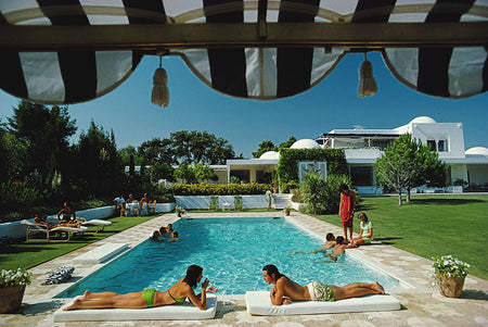 "Slim Aarons - ""Poolside in Sotgrande"" 1975"