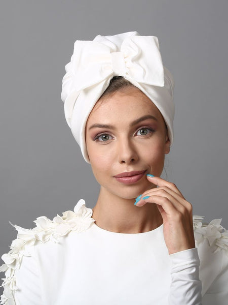 Turban hat bow in white