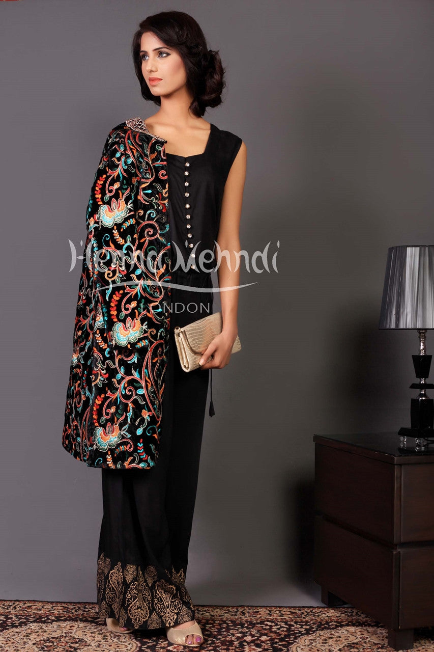 Black Jumpsuit Outfit With Velvet Jacket Henna Mehndi