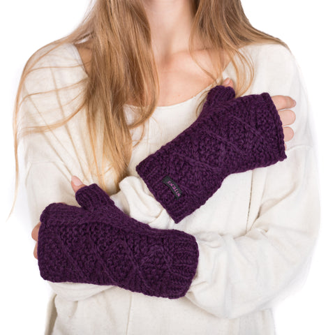 Pleasantly warm and scratch-free soft flexible hand-knitted craftsmanship Nijens photo