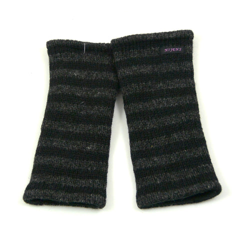 Hand-knitted wrist warmers, new wool arm warmers Berlin Nijens